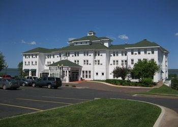 Hotel Wisconsin, 101 W Lakeshore Dr West, Best Western Hotel Chequamegon