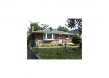 House Ottawa, Chatelain Ave.,, D: I have a room