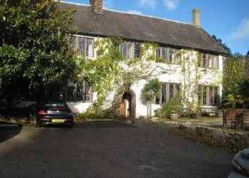 Pension Brixham, Church Road,, Pension Churston Court Inn***