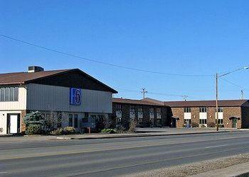 Hotel Michigan, 1518 S Stephenson Ave, Motel 6