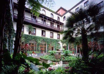 Hotel La Savina, C/ Pou Roig 1, Miami Ibiza Hotel