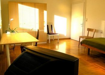 House Feldkirch, Grenznähe, Nora: I have a room