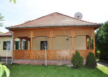 Balatonboglár, Csilla-István Villa