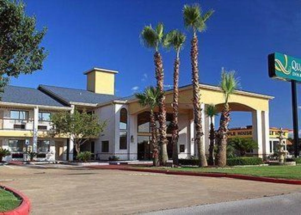 Quality Inn & Suites Fort Bend, 11206 West Airport Blvd, Texas