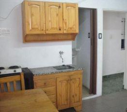 Apartamento estudio Gran Buenos Aires Zona Oeste, Eduardo: Tengo piso compartido