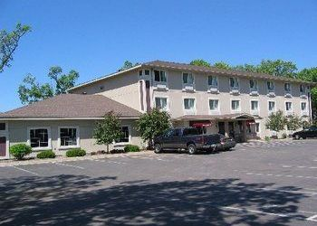 6010 Main St, North Branch, Budget Host Inn & Suites North Branch