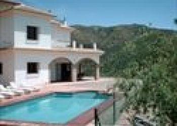 Pso. Costa de la Luz, 29, E-29195 Málaga, Villa Las Palomeras