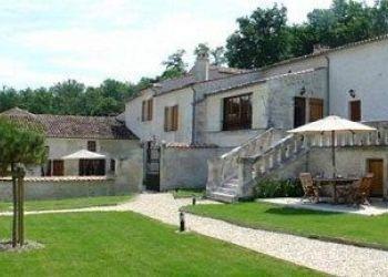 Lieu-dit Chez Riviere, 16130 Saint-Preuil, Hotel Relais de Saint Preuil****