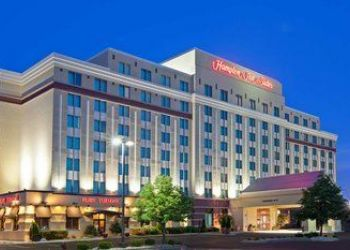 Hotel Illinois, 5201 Old Orchard Rd, Hampton Inn & Suites Chicago North Shore