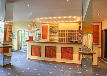 Hotel Timmendorfer Strand, Strandstrasse 94, Hotel Yachtclub****