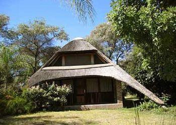 Albergo Sauyemwa, 21km east of Rundu on the old road to Divundu, on the Kavango River, PO Box 1623, Nkwazi Lodge
