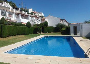 Private accommodation La cala del moral, Picadero, chalet adosado con piscina en la cala del moral
