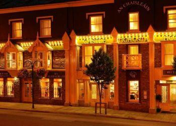 Hotel Macroom, Main Street, Hotel Castle***