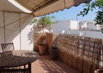 Apartment Casablanca, Studio meublé à louer avec jolie  terrasse situé au 5ème étage à Gauthier.