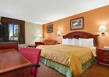 1315 Garner Ln, 2921 Saint Andrews, Hotel Ramada Columbia Jackson**