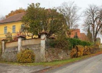 Pacov, Vesnický dům