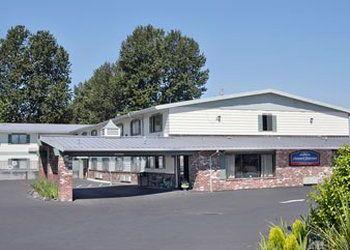 Hotel Oregon, 1572 NE Burnside Rd, Howard Johnson Hotel