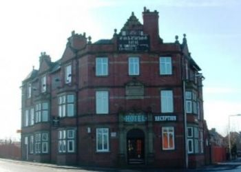 Warrington Road (A573), Ince, WN3 4NJ Wigan, Hotel Coaching Inn*