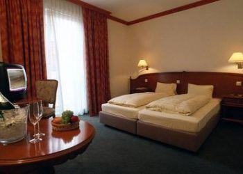 Hotel Stockerau, Hauptstrasse 29-31, Best Western Hotel Drei Königshof