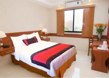 Hotel Panama City, Avenida Ecuador y Justo Arosemena,, Hotel Centroamericano***