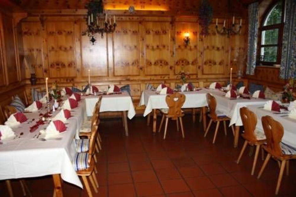 Hotel Und Biergarten Am See Thalhamer Hof, Waldstr. 14, 85395 Attenkirchen