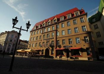 Hotel Tallinn, Suur-karja 17/19, Hotel Savoy*****