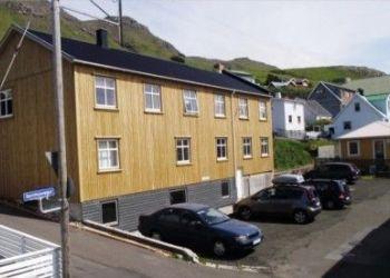 Pensão Tvøroyri, Tvøroyri, Gistingarhúsið í Miðbrekkuni
