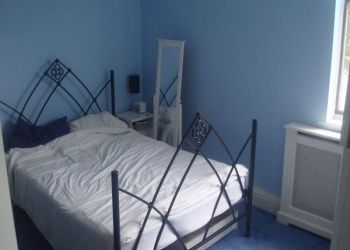 2 bedroom apartment Luxembourg Ville, Rue de Strasbourg, Rody: I have a room