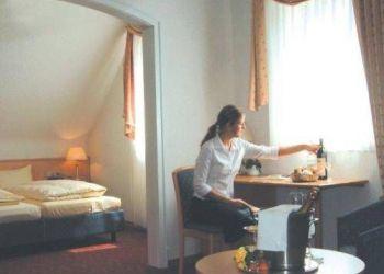 Weinstraße 8, 76829 Leinsweiler, Hotel Rebmann
