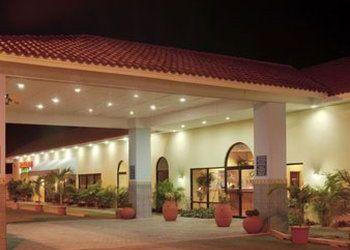 Hôtel Ponce, 103 Turpo Industrial Park, Hotel Howard Johnson Ponce***
