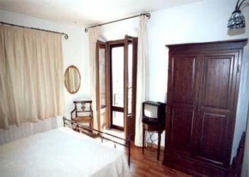Via Marconi, 2 Angolo Via Porsenna, 53043 Chiusi, Hotel Albergo La Sfinge