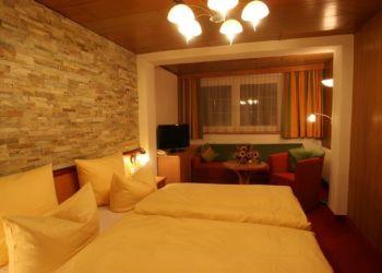 Hotel Bach-Stockach, Oberbach 43, Superior-Wanderhotel 'Grüner Baum'