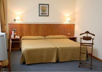 Hotel Santiago de Compostela, Avenida de Lugo, 213, Hotel Husa Ciudad de Compostela***