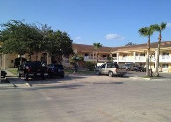 Hotel Edinburg, 202 N 25th Avenue, Hotel Super 8 Edinburgh McAllen, TX**
