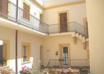 Pension Marsala, Via Punica 3 - Piazza San Matteo, Bed and Breakfast Case a San Matteo