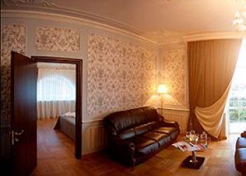 Hotel Lunacharskiy, 44 Sadovaya street, Yagodnoye village, Familia Butique Hotel