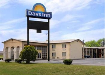 5000 Interstate Highway 30, 75402 Greenville, Days Inn Greenville