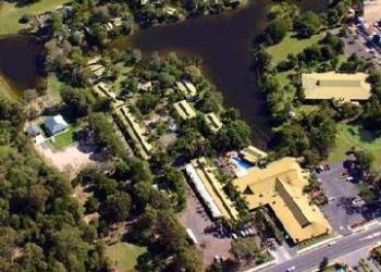 Hotel Nikenbah, 49 - 63 ELIZABETH STREET, URANGAN, HERVEY BAY, QUEENSLAND 4655, AUSTRALIA, Kondari Resort(lakeside Studio