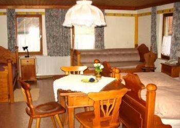 Wohnung Neusitz, Schweinsdorf 37, Landgasthof Zum Hirschen