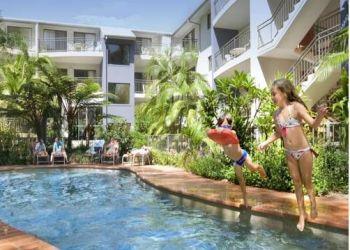 Hotel Hibbard, Cnr of Ocean St & Pacific Dr, Flynns Beach Resort