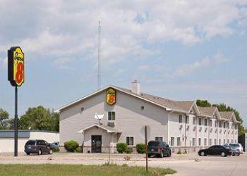 1880 W 12th St, 68333 Crete, Hotel Super 8 Crete**