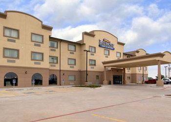 Hotel Texas, 1414 S Alan Bean Blvd, Baymont Inn & Suites Wheeler