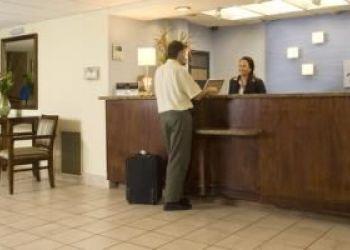 1KM OESTE DE AEROPUERTO J.SANTAMARIA, 594003 AEROPUERTO, Desamparados, Holiday Inn Express