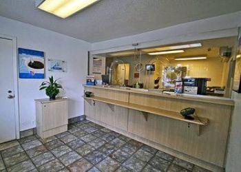 10195 Sierra Ave., Fontana, Motel 6