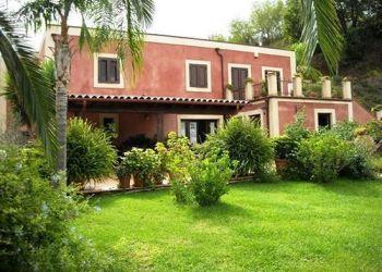 Contrada Muti, 1, 98076 Sant'Agata di Militello, Hotel Villa Luca***