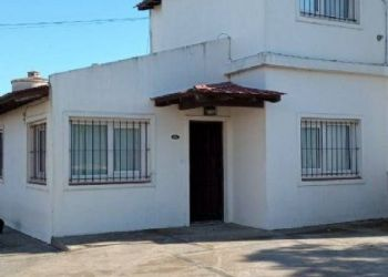 House Miramar, 38 y 7, House for rent