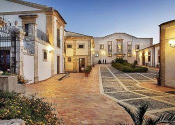 Hotel Noto, Contrada Falconara snc, Hotel Villa Favorita****