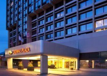 320 Washington St, Massachusetts, Crowne Plaza Hotel Boston/Newton