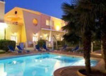 12 Avenue De La Flore, 13800 Istres, Hotel Ariane