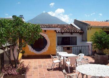 Hotel Antigua Guatemala, 5a Calle Poniente 28, Hotel Posada Don Valentino**